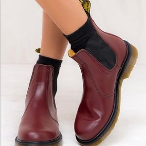 NWT DR. MARTENS 2976 SMOOTH LEATHER CHELSE…